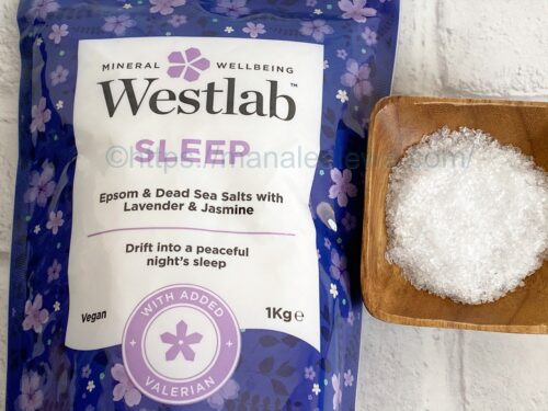 Westlab-Sleep-bathing-salts-texture-fragrance