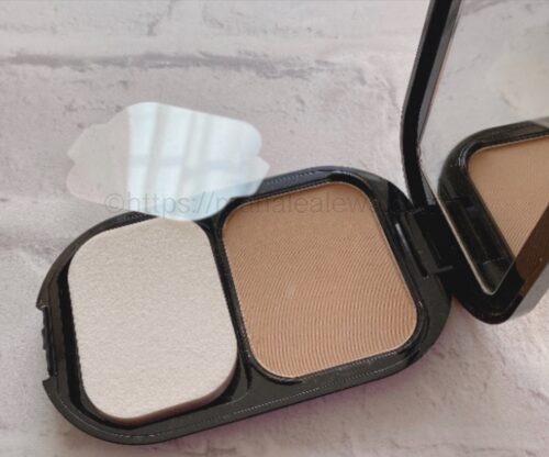 Max-Factor-facefinity-compact-foundation-natural-product-image