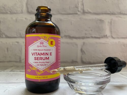 Leven-Rose-vitamin-E-serum-texture